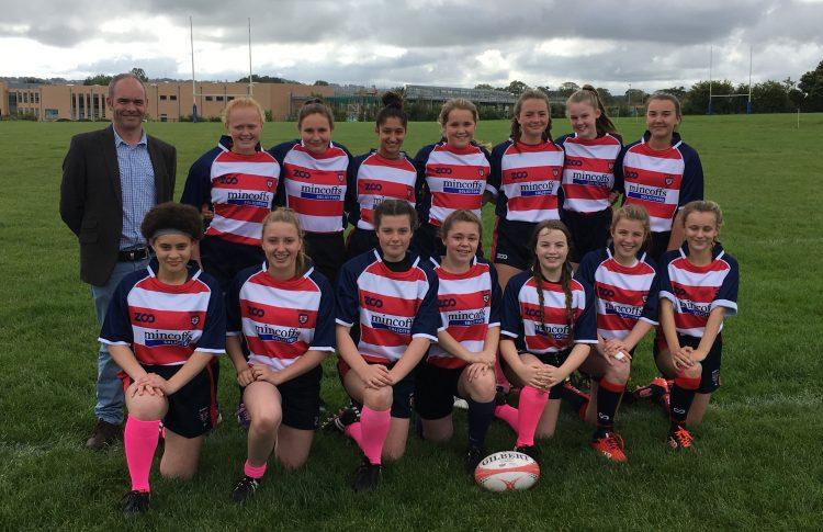 Mincoffs sponsor Morpeth U15 girls rugby team